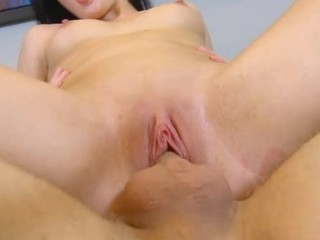 Stupid schoolgirl serves a pulsating penis be beneficial to a aged stud